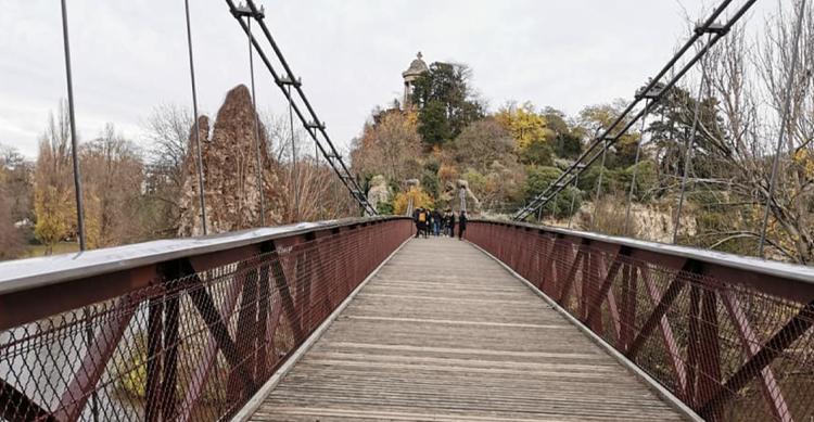 ビュットショーモン公園の吊り橋
